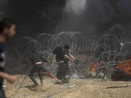 Palæstinenserne på Gazastriben forsøger at nedbryde sikkerhedsbarrieren mellem Gaza og Israel. (Foto: IDF)