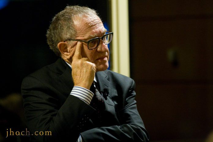 Alan M. Dershowitz (foto: Justin Hoch, www.jhoch.com, tilhører Hudson Union Society, 2013-10-15)