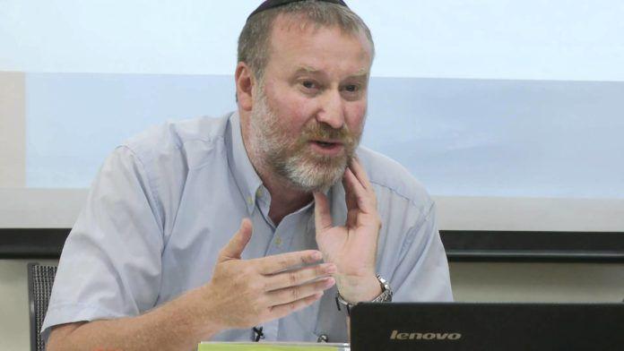 Kammeradvokaten, Avichai Mandelblit, har meddelt hans hensigt til at rejse tiltale mod Benjamin Netanyahu (Foto: Youtube)