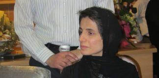 Iran idømte for nylig en fremtrædende iransk advokat, Nasrin Sotoudeh, som havde dristet sig til at forsvare nogle piger, der havde protesteret mod Irans påtvungne tildækningslove, 33 års fængsel og 148 piskeslag. Billedet: Nasrin Sotoudeh. (Billedkilde: Hosseinronaghi/Wikimedia Commons)