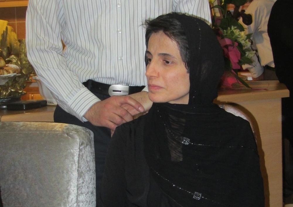 790b74fa53e1 Iran idømte for nylig en fremtrædende iransk advokat, Nasrin Sotoudeh, som  havde dristet sig