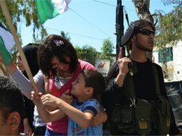 n gadefest i den libanesiske, palæstinensiske flygtningelejr Ain al-Hilweh, juli 2015. (Billedkilde: Geneva Call/Flickr - via Gatestone Institute)